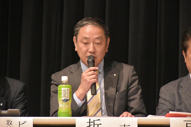 教育旅行について説明する東日観光の折笠雅浩氏