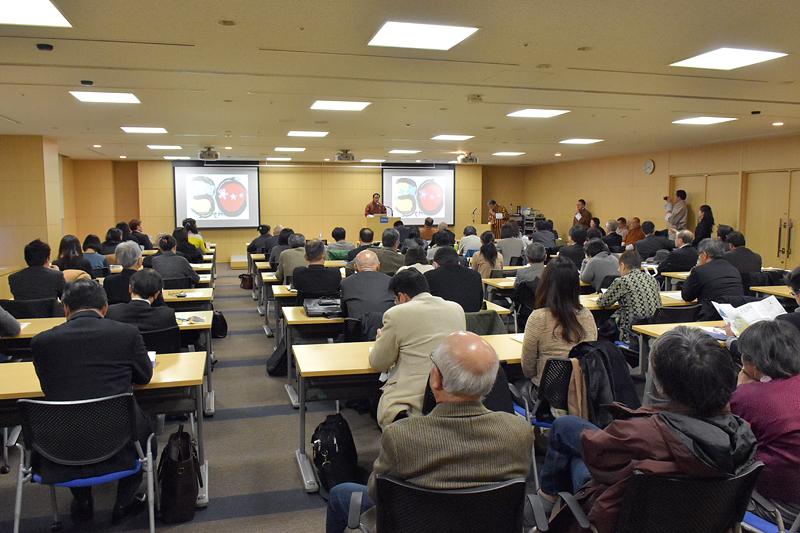 プレスミーティングには、多くの報道陣、関係者が参加した