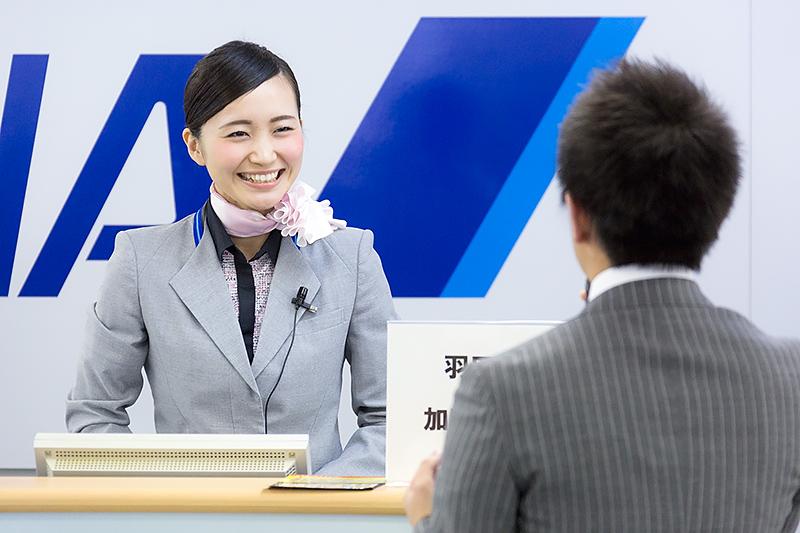 加藤友紀奈さん(羽田空港)