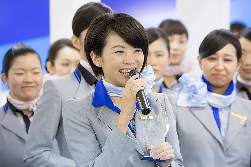 準グランプリの入戸野利香さん(那覇空港)