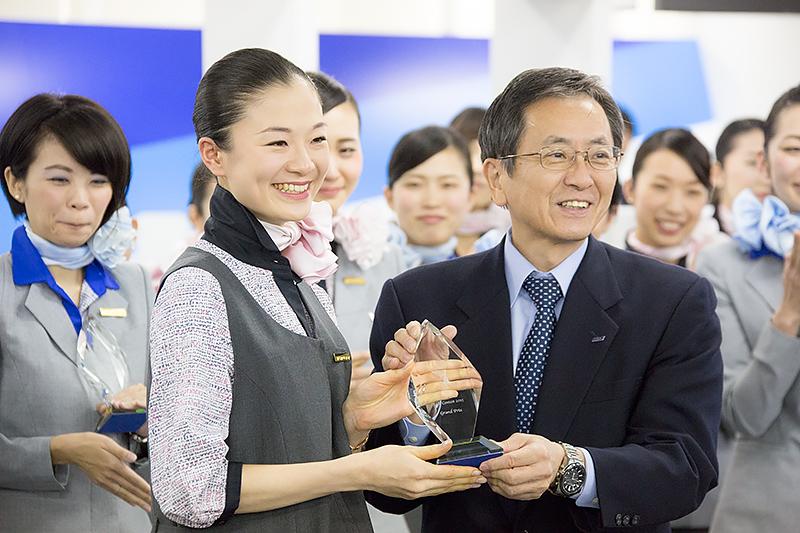 グランプリは羽田空港の長田恵未さんが獲得した