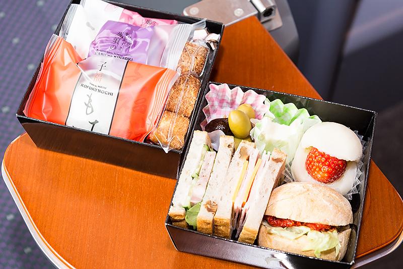 「なすしお玉手箱」には那須塩原産の食材を使ったオードブルがぎっしり