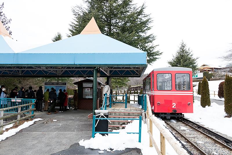 スイス鉄道の湖畔駅