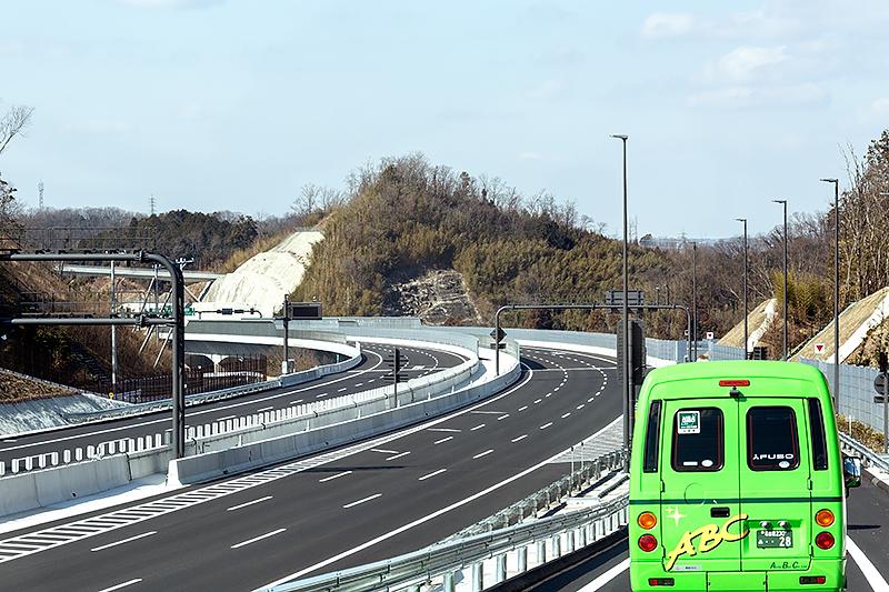 岡崎SAの流入部から豊田東JCT方面へ逆走