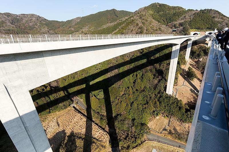 開通区間で一番高い佐名川橋