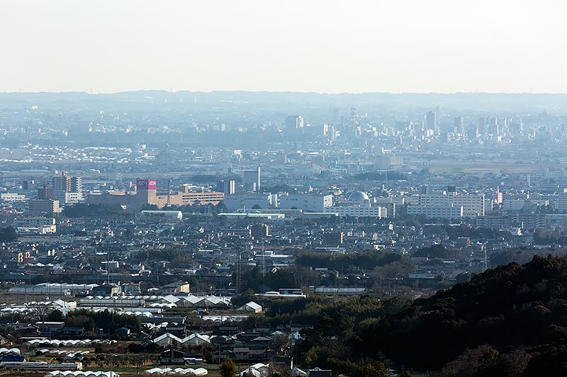 遠く豊川市街を望むことができる
