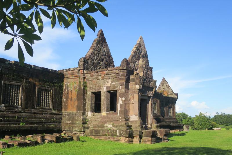 現在、修復中の宮殿。入り口までは入れる