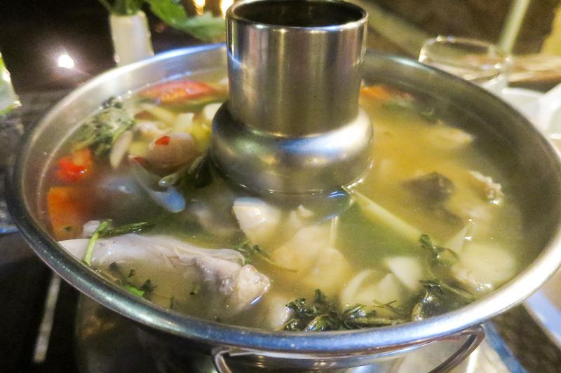 川魚の臭みもなく食べやすいトムソムパー