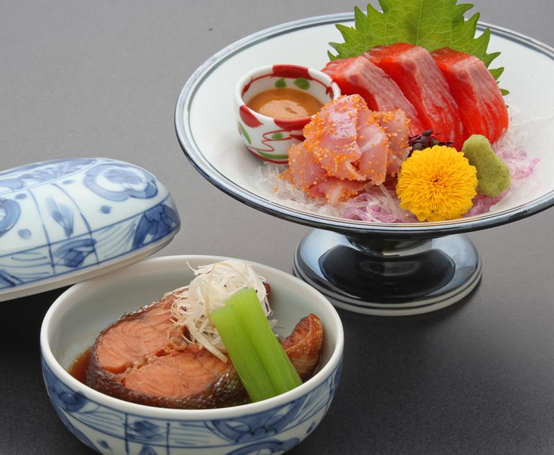 [造り]琵琶鱒、鯉子まぶし(マス)[煮物]琵琶鱒煮付け(ビワマス)