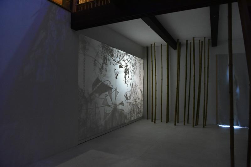 1階の「影絵の展示会場Sound Theater」