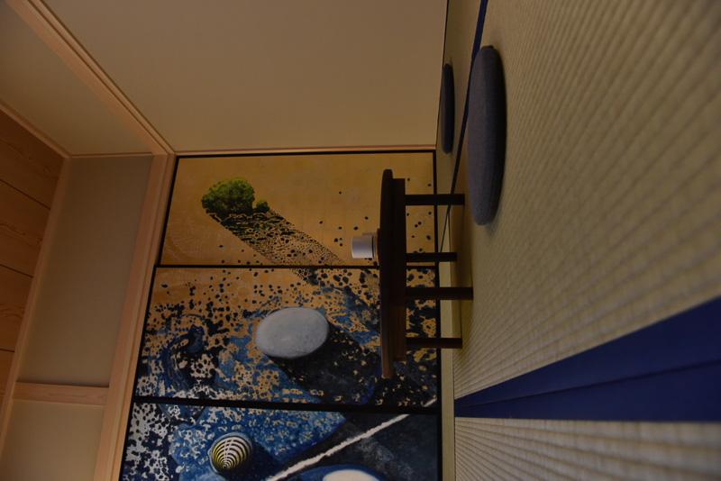 畳の垂壁にちゃぶ台