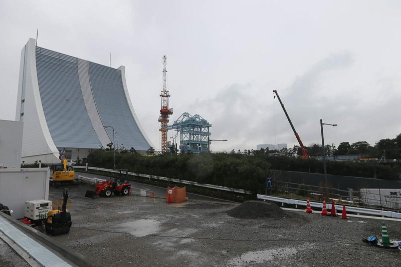 東京港トンネルは首都高湾岸線側のトンネルと併走している
