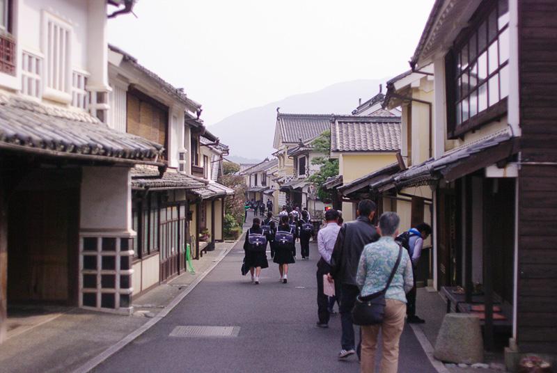 昔ながらの街並みが残る内子町の風景