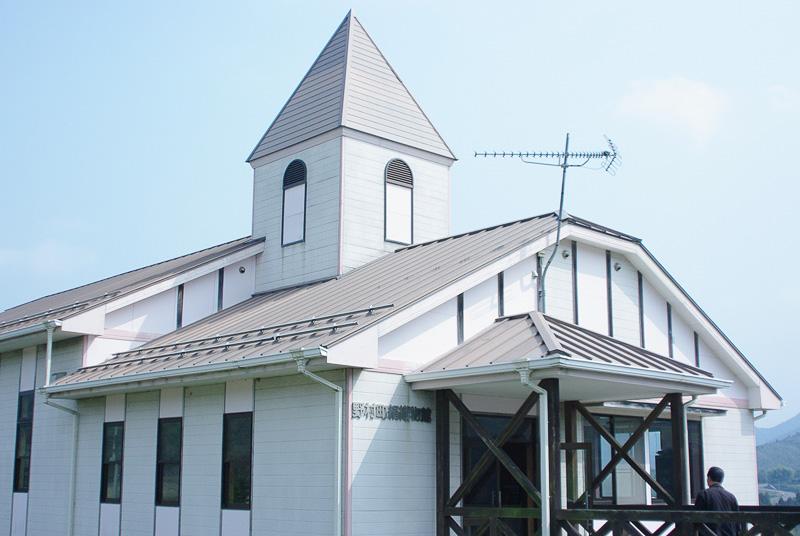 「西予市野村シルク博物館」のすぐそばにある「絹織物館」