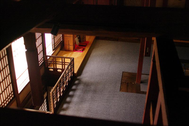 3階から2階を見下ろしたところ