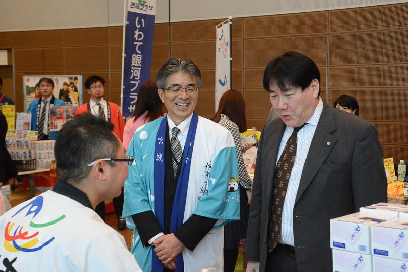 日本航空株式会社 代表取締役社長 植木義晴氏も各県のブースで買い物