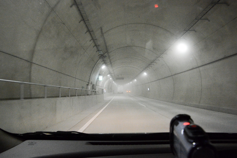 東京港トンネル内部