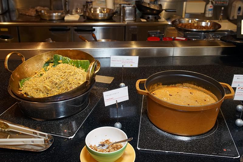 タイ人シェフらしく、アジア系の料理も充実。特に「マッサマンカレー」はお勧め
