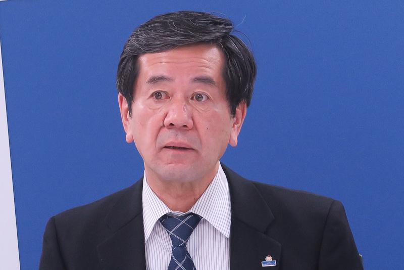 2016年度の事業方針を説明した、中部国際空港株式会社 代表取締役副社長 各務正人氏