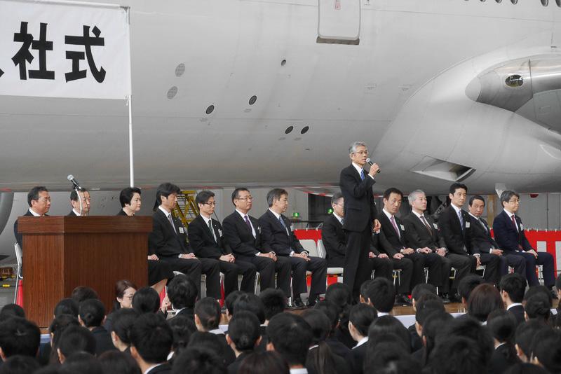 JALグループ会社の代表が新入社員を歓迎。それぞれが熱いメッセージを新入社員に送った