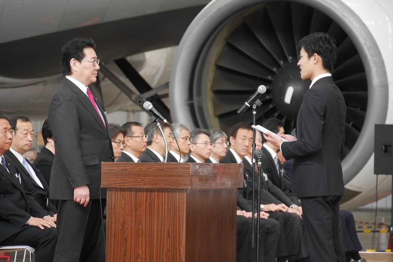 木下さんは、新入社員らしい初々しさのなか、力強い言葉で宣誓を行なった