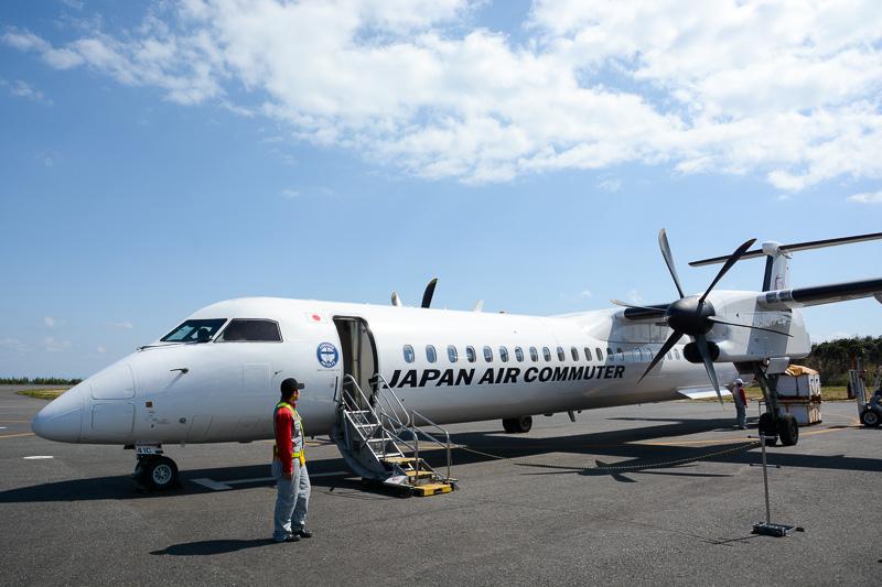 JACのボンバルディア Q400型機で運航