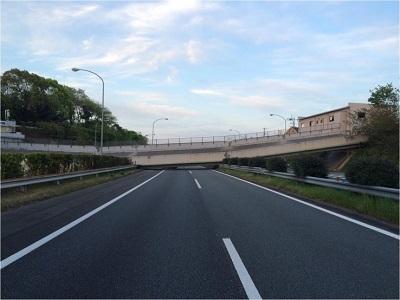 九州自動車道 緑川PA(御船IC~松橋IC)跨道橋(県道32号小川嘉島線 府領第一橋)の被害状況