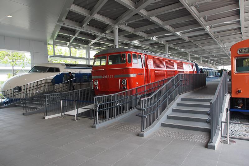 プロムナードの最後には日本初の中型ディーゼル機関車DD54型
