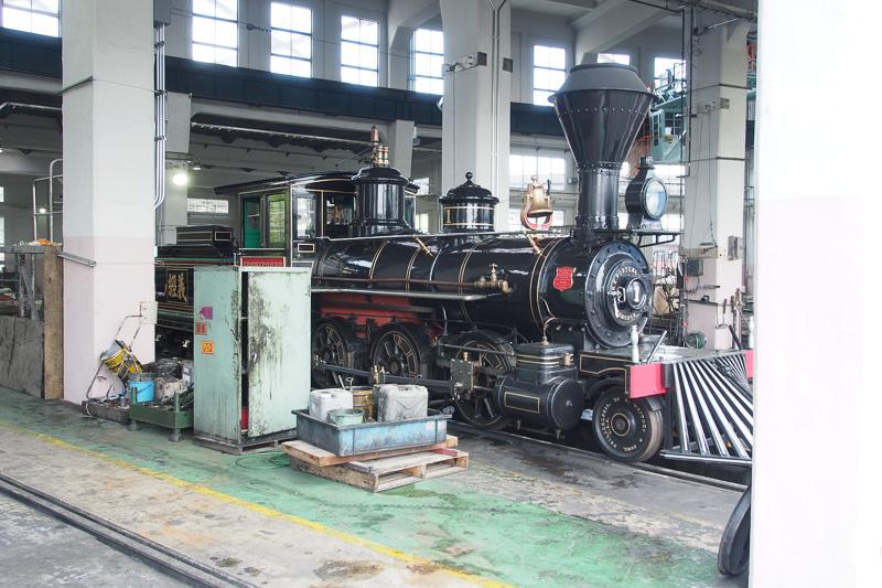「義経」の名前が付く7100形7105号機、1880年アメリカ製。この年代だが実際に動く動態保存機