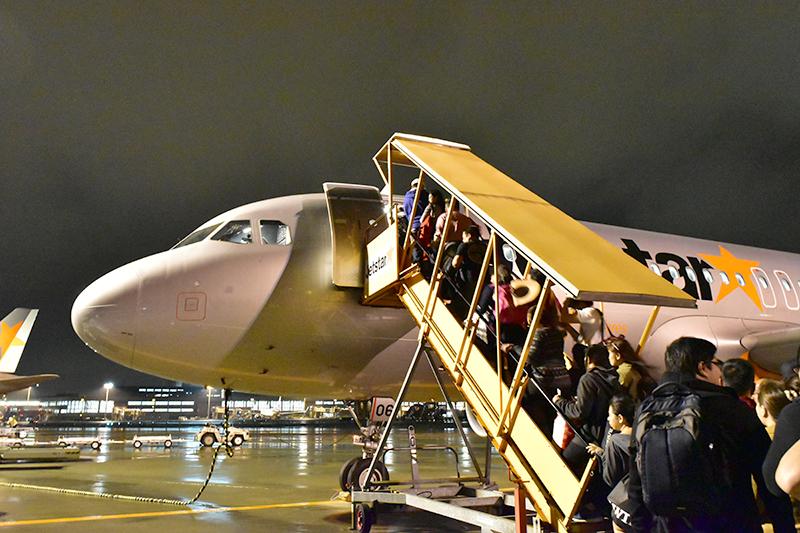 この恒例の搭乗タイムで私はいつも記念写真。もちろんスムーズな搭乗が最優先です