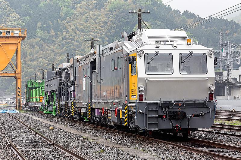 新幹線用まくらぎ交換機編成