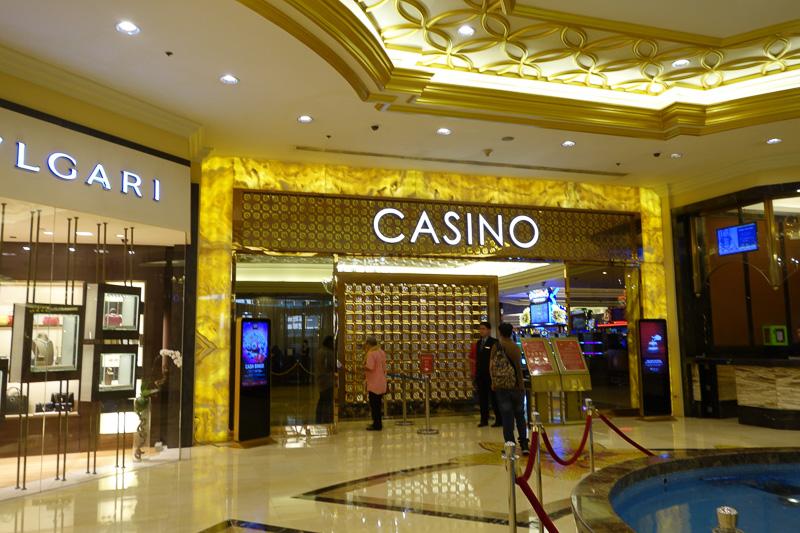 一世一代の大勝負に出たカジノがこちら。24時間やっています(中は撮影禁止)