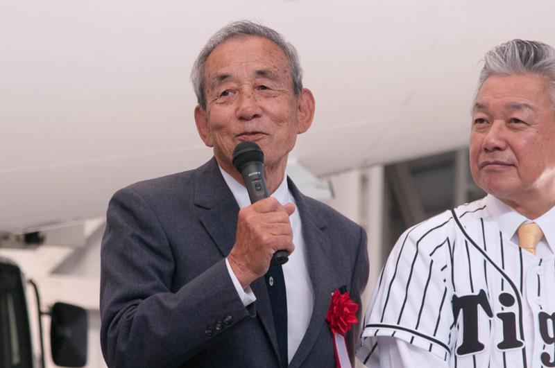 吉田氏と同期で名三塁手として知られた三宅秀史氏