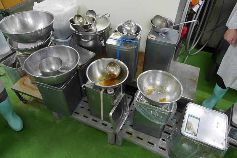 味付けには魚のエキスを中心に使用するなどして、化学調味料不使用の製品を多く作っている