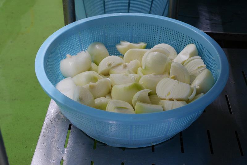 ごぼうや玉ねぎなど、長崎県産や国産の野菜類も豊富に使用