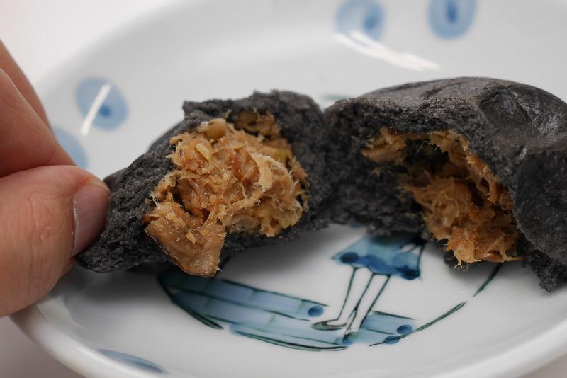 角煮をミンチ状にした餡を使うことで、豚肉の臭みがなく、食べやすい味わいだった