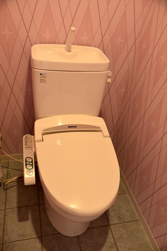 お手洗いは全室共にシャワートイレ完備