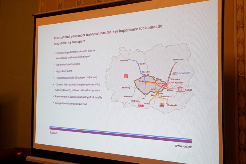 チェコはドイツ、ポーランド、スロバキア、オーストリア、ハンガリーに囲まれており、それぞれの主要都市にアクセス可能なハブとしての役割を果たしている。それぞれの都市までにかかる時間も長すぎず、利用しやすいとの説明を受けた