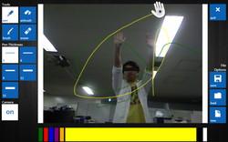 両手を動かした場合がペイント操作