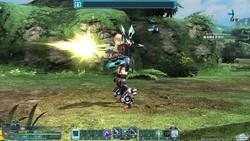 """レンジャー(Ra)用武器は、敵を弱体化させるスキルが特徴。火力は低いが扱いやすい""""アサルトライフル(長銃)""""と、高火力な""""ランチャー(大砲)""""の2種(画像はアサルトライフル)"""